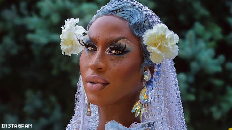 Shea Coulee in Backyard Barbecue