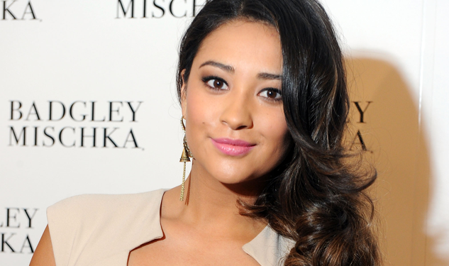 Interview: Shay Mitchell of 'Pretty Little Liars'