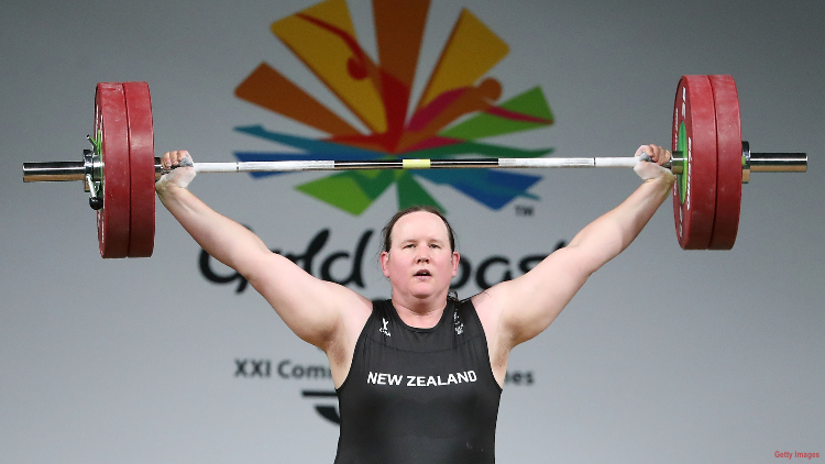 international-olympic-committee-clears-trans-weight-lifter-laurel-hubbard-compete-in-tokyo-new-zealand.jpg