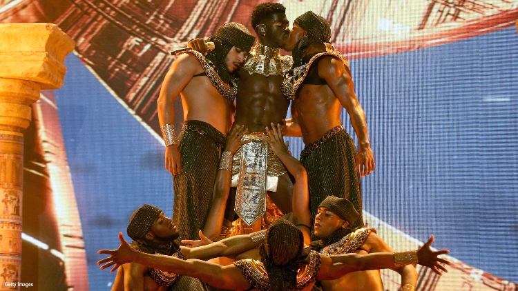 lil-nas-x-bet-awards-2021-performance-gay-kiss-dancers-montero-call-me-by-your-name.jpg
