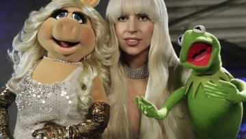 6 Things We Learned From Gaga's Muppet Spectacular Thanksgiving Trailer...