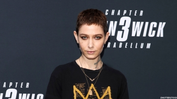 Non-binary star of Billions and Orange is the New Black writes letter asking SAG to remove gender-specific classifications from acting awards.