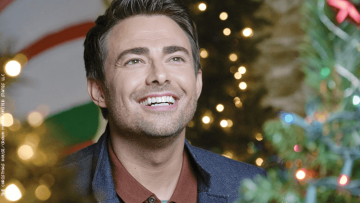 Jonathan Bennett in The Christmas House