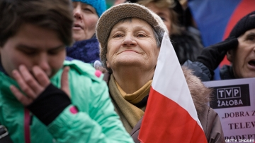 These Polish Grannies are fighting nazis and right wing ultra nationalists in Poland to protect LGBT+, women's and reproductive and immigrant rights