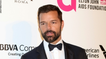 Ricky Martin on a red carpet.