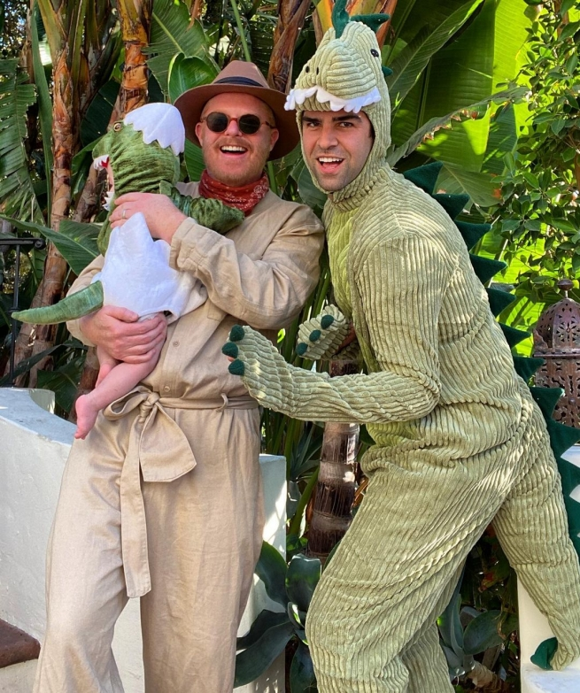 Jesse Tyler Ferguson and family for Halloween 2020