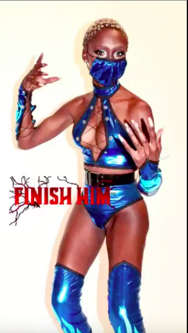 Angelia Ross as Kitana for Halloween 2020