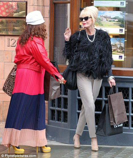 Ab Fab is Back! Joanna Lumley & Jennifer Saunders Reprise Patsy & Edina Roles