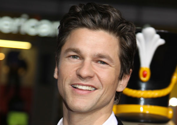 David Burtka Signs On To E! News