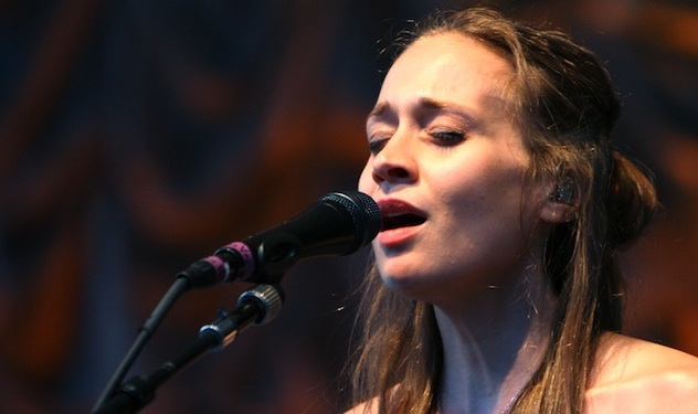 Fiona Apple Album NOT Coming Out in a Few Weeks, But Eventually