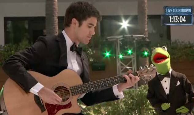 Darren Criss and Kermit the Frog Sing Together