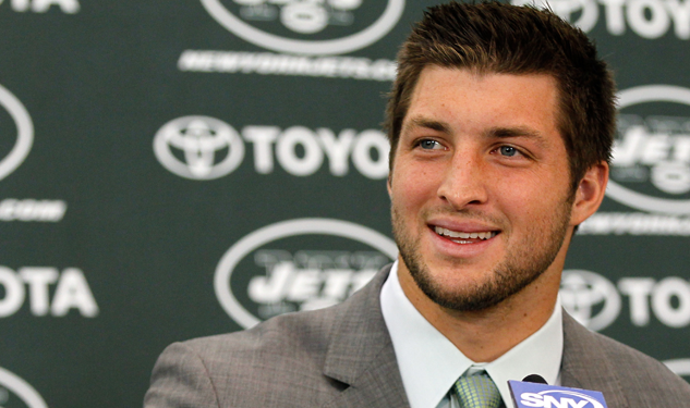 Tim Tebow Gets a Mani-Pedi