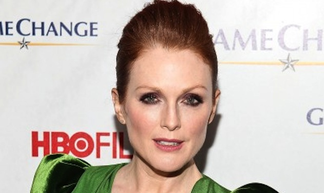 Julianne Moore to Play Carrie's Mother in Hollywood Remake of the Iconic Film?