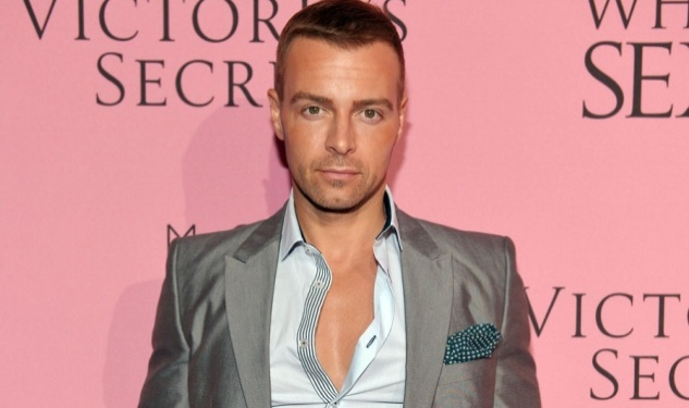 Whoah! Joey Lawrence to Striptease For Your Viewing Pleasure