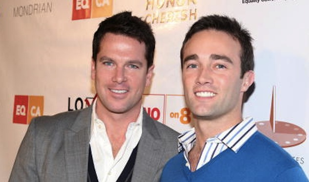 Msnbc Anchor Thomas Roberts To Wed