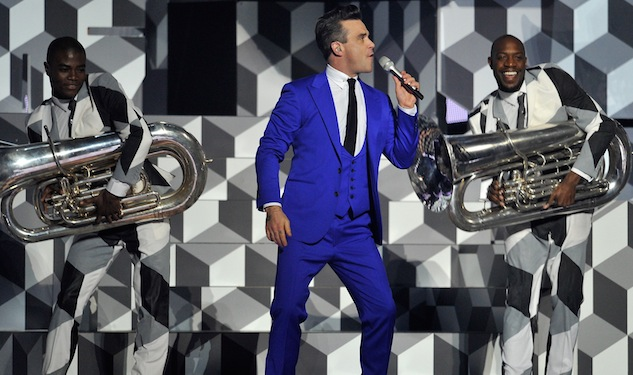 Robbie Williams Shows Off His Dazzling New Suit