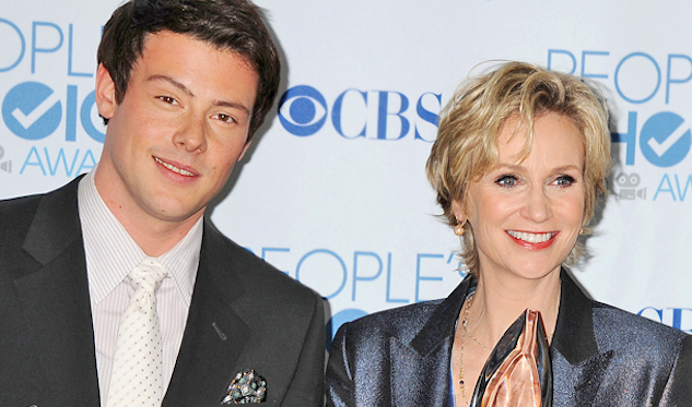"Jane Lynch Tweets Cory Monteith Memorial Episode Is The ""Most Beautiful Thing"""