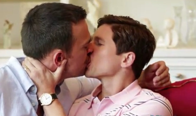 WATCH: David Burtka & Cheyenne Jackson Kiss!