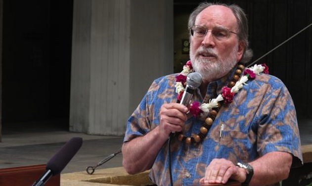 Hawaii Governor Pushes for Marriage Equality