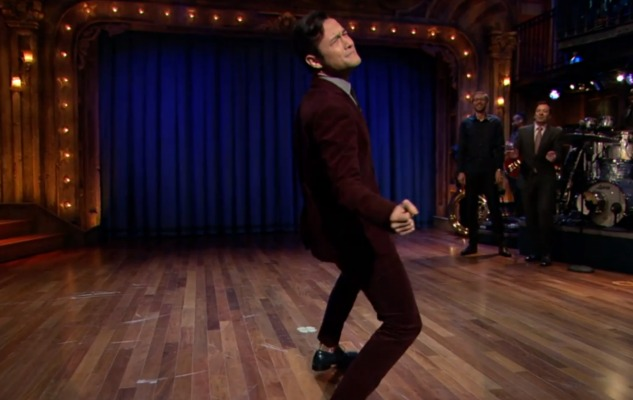 WATCH: Joseph Gordon-Levitt Lip Syncs 'Super Bass'