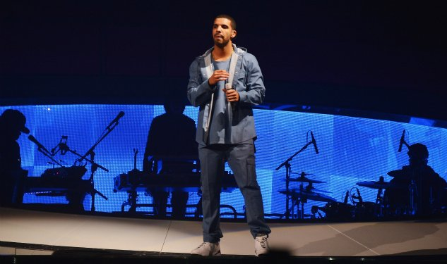 Drake Wears Calvin Klein Collection On Tour