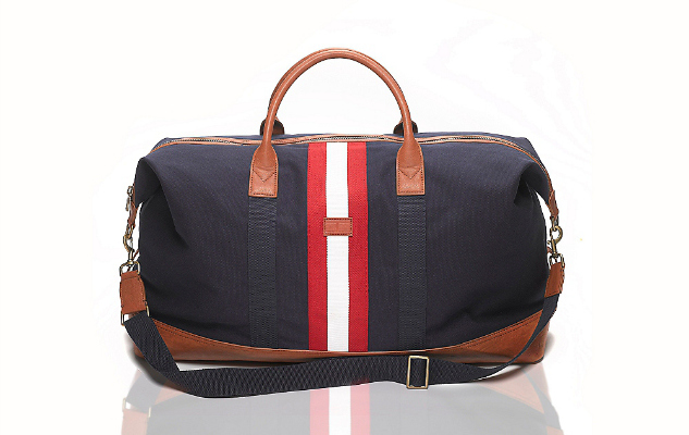 daily crush center stripe weekender duffle by tommy hilfiger out magazine. Black Bedroom Furniture Sets. Home Design Ideas