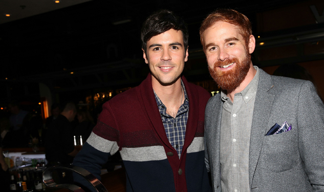 Casting Net: How I Met Your Dad Adds Second Gay Character