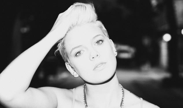 Watch Betty Who Rock Out in Her New Video for 'Heartbreak Dream'