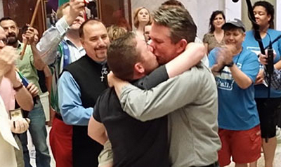 Arkansas Couples Rush to Marry, Fearing Court Stay