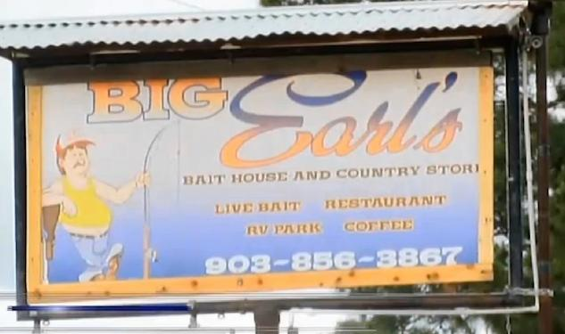 Texas Restaurant Refuses Gay Customers; Is Reviewed as Gay Bar Online