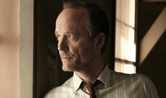 A New Nuclear Family for John Benjamin Hickey