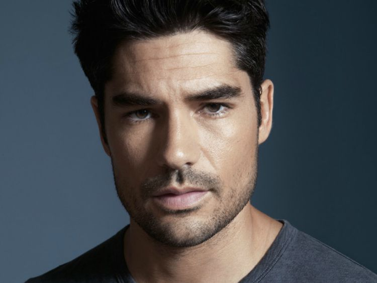 Things We Learned From DJ Cotrona Star Of TVs From Dusk Till - Dj cotrona hairstyle