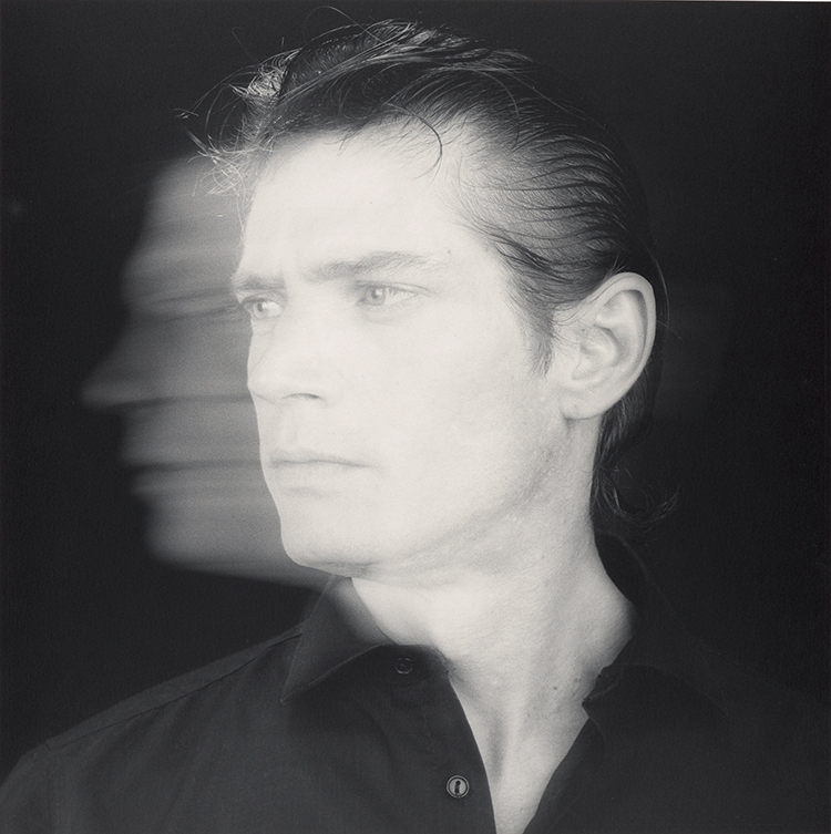 essay on robert mapplethorpe Robert mapplethorpe (/ ˈ m eɪ p əl ˌ θ ɔːr p / november 4, 1946 – march 9, 1989) was an american photographer, known for his sensitive yet blunt treatment of controversial subject-matter in.