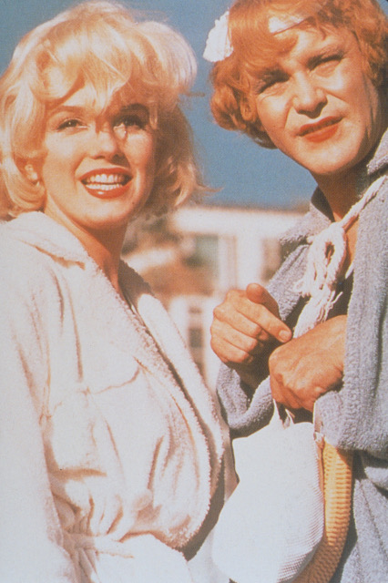 Some Like It Hot   Monroe Lemmon Color