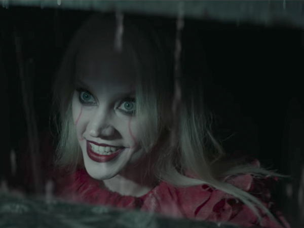 Kellyanne Conway Became Pennywise the Dancing Clown on 'SNL'