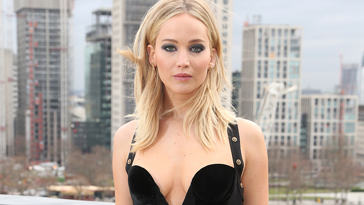 Jennifer Lawrence to take a year's break from acting