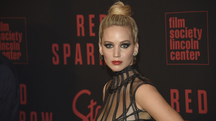 Amy Schumer Sent Jennifer Lawrence A Brutally Blunt Note After Her Breakup