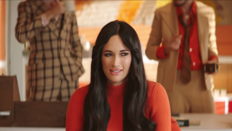 Kacey Musgraves Channels '9 to 5' in 'High Horse' Music Video