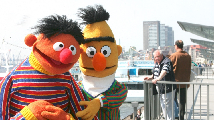 Sesame Street Insists Bert & Ernie Are Not Gay, Just 'Best Friends'