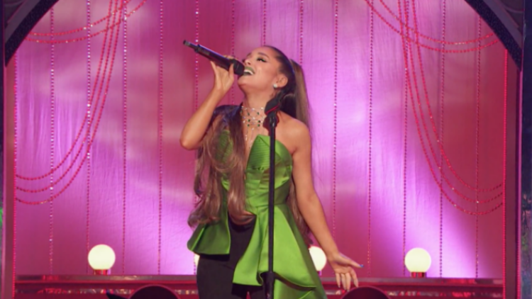 Watch Ariana Grande Sing 'The Wizard & I' From 'Wicked'