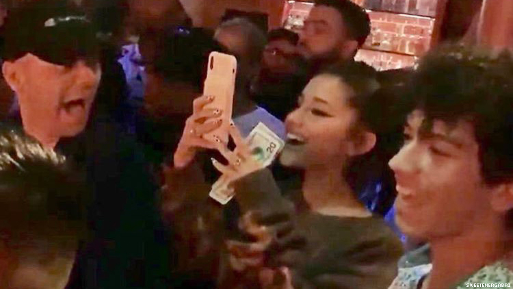 Ariana Grande Went to a Gay Bar and Tipped the Queens with $100 Bills