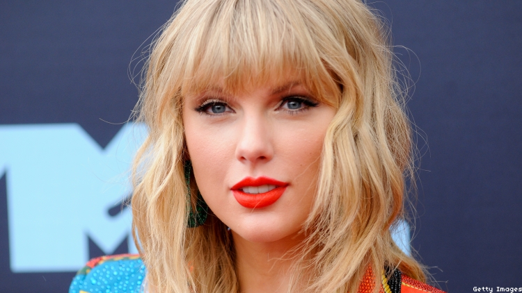 Evangelical Preacher Says Taylor Swift Is Pushing the Gay Agenda