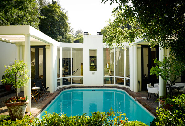 Hbz Fashionable Life Nate Berkus Pool Lgn 18048262