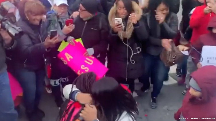 Woman Surprises Girlfriend With Proposal During NYC Marathon - Out Magazine