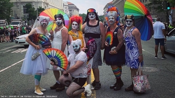 Sisters of Perpetual Indulgence shut down far right rally with Proud Boys in Washington, D.C.