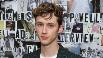 Troye Sivan Calls Reporter's Bottoming Questions 'Invasive'