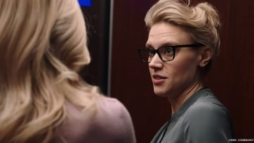 Kate McKinnon Explains a 'Fox Story' in Exclusive 'Bombshell' Clip