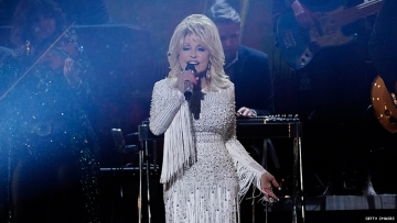 Dolly Parton Wants to Record a Gay Dance Album