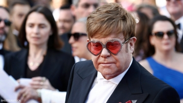 Elton John Lashes Out at Security for Removing Fan From Concert