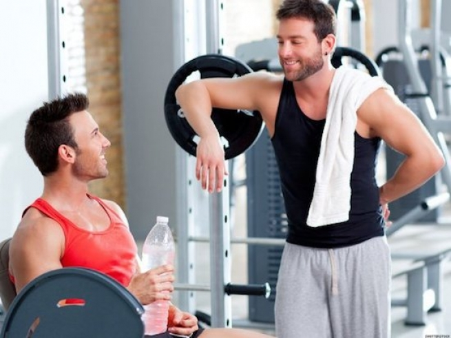 8 Steps to Picking Up Guys at the Gym